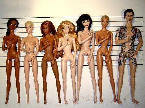 Comparaisons corps fashion dolls: images & liens Em_lia_skintones