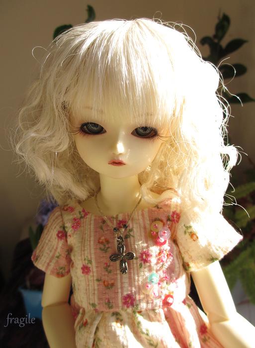 Ondée Illyana (AR white Cosette) petite porteuse de croix p4 - Page 4 Ondee_2012_03
